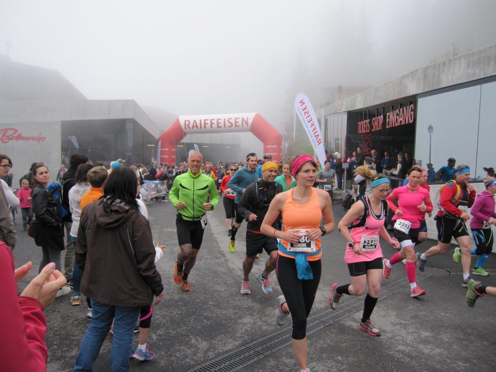 Start des letzten Blocks beim Aletsch-Halbmarathon 2016