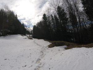 Anstieg mit Schnee